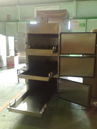 Refrigerador para Cadáveres para 3 Cuerpos con Salida Frontal